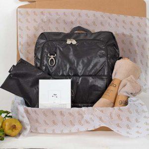 bundles044 300x300 - מארז Ideal שחור דמוי עור עם נרתיק, חיתולי במבוק ומחברת